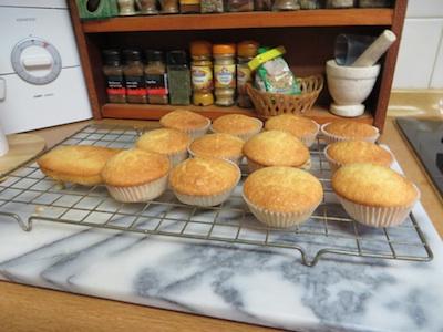 B2013 Cakes